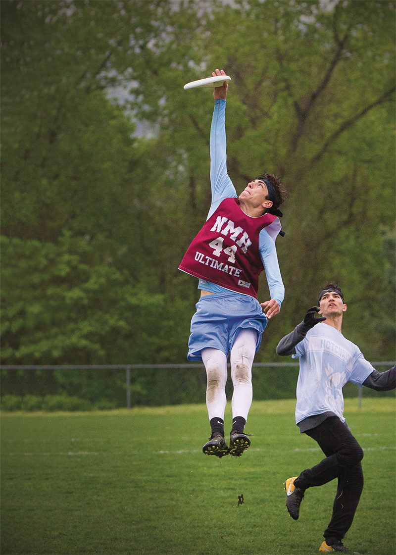 Colton Sy reaches into the sky to nab a disk